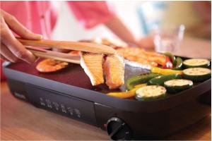ưu điểm của bếp nướng điện không khói Philip là chất lượng tốt và giá thành rẻ