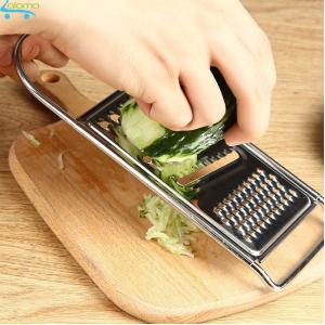 dao bào là một trong những bộ dụng cụ nhà bếp 3 món để tạo cho món ăn đẹp mắt và thú vị