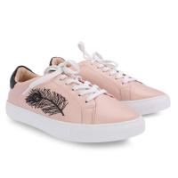 giày thể thao nữ phù hợp với phái đẹp trẻ trung năng động của girlie, có giá rất rẻ