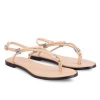 giày sandal nữ có những quai đơn giản nhưng rất sang trọng, tạo dáng đẹp, đáng được ưa chuộng và đặt mua tại girlie vì có giá rất rẻ
