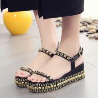 giày sandal nữ của tete cũng là một mẫu giày nữ đẹp có giá rẻ được bày bán ở tại shop
