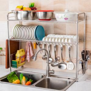 kệ bếp là một trong những bộ dụng cụ nhà bếp không thể thiếu để giúp không gian bếp được thoáng đãng, sạch sẽ và gọn gàng