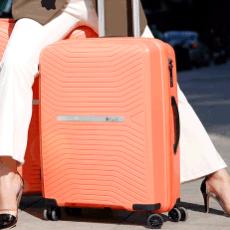 những mẫu vali kéo đang giảm giá sốc từ các thương hiệu vali nổi tiếng trên thế giới