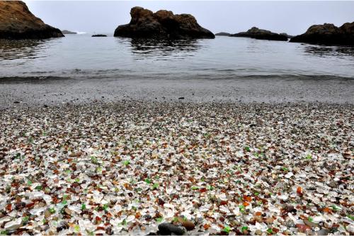 Bãi biển Glass, Mỹ, Đây cũng là một địa điểm rất quyến rũ và đẹp nhất trên thế giới mà bạn nên được nhìn thấy một lần trong đời