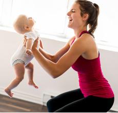 lấy lại vòng eo sau sinh là một mong muốn của nhiều mẹ bầu sau khi sinh con