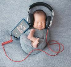 nhạc dành cho trẻ sơ sinh sẽ giúp bé phát triển về thể chất và tinh thần tốt hơn