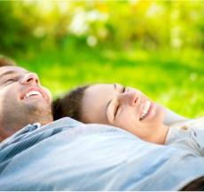 sự khác biệt cơ bản giữa nam và nữ là do môi trường xã hội và di truyền