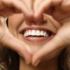 vệ sinh răng miệng và chế độ ăn uống cân bằng là những cách giữ hơi thở thơm tho lâu dài