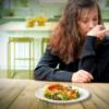 chứng rối loạn ăn uống tâm thần như chán ăn tâm thần, bulimia neurosa, rối loạn ăn uống không kiểm soát có nguyên nhân từ văn hóa gia đình