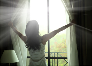Rất nhiều lợi ích từ việc thức dậy sớm, vì vậy, học cách để thức dậy sớm chính là giúp bạn tận hưởng những lợi ích đó