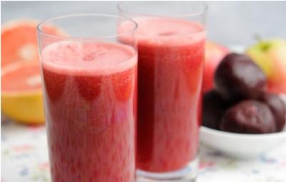 Hỗn hợp bưởi, mận đen và nước cam là một trong những thức uống tốt cho gan.