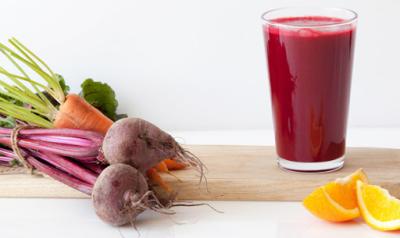 Nước ép củ cải đường, cà rốt và chanh cũng là một trong những thức uống rất tốt cho gan