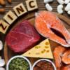 Thịt lợn, thịt bò, hạt dưa, nấm...là những loại thực phẩm chứa nhiều dưỡng chất kẽm