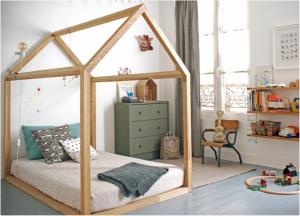 ánh sáng, rèm cửa, cây xanh, ...là những cách trang trí phối hợp để lên ý tưởng tốt cho phòng ngủ của trẻ em