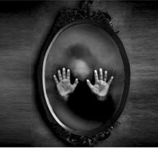 nằm mơ thấy gương luôn đem lại nhiều ý nghĩa đặc biệt